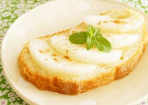 梨はトーストがおいしい!?新ムーブメント「梨トースト」が熱いっ!!|クックパッドニュースより